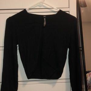 Cropped black shirt